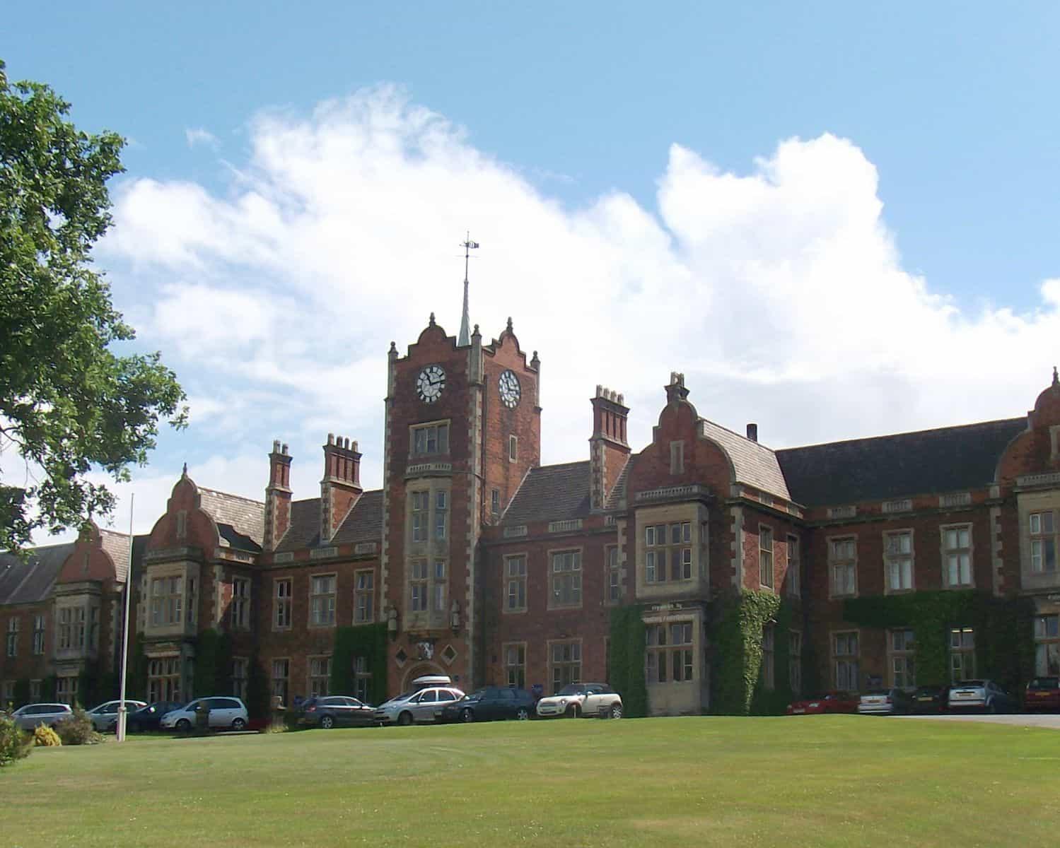 royal-wolverhampton-school